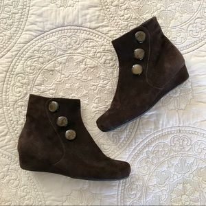 Vaneli Brown Suede Wedge Ankle Boots 8.5M